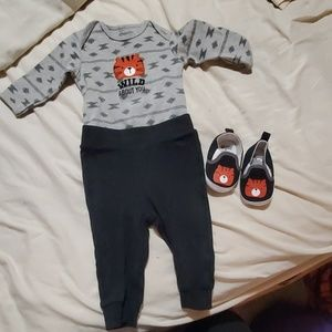 Infant outfit with matching shoes